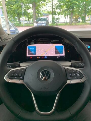 VW  Golf VIII Lim. Life 1,5 TSI ACT OPF, EPH, Navi, Deep Black Perleffekt
