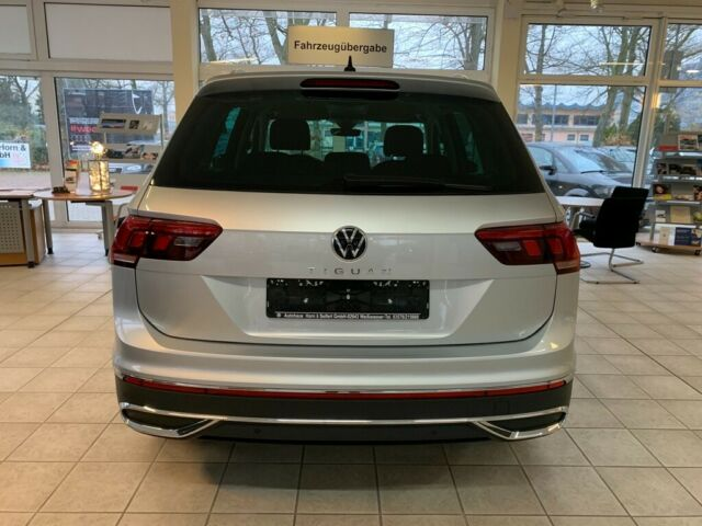 VW  Tiguan Elegance 1,5 TSI 110 KW DSG, Reflexsilber Metallic